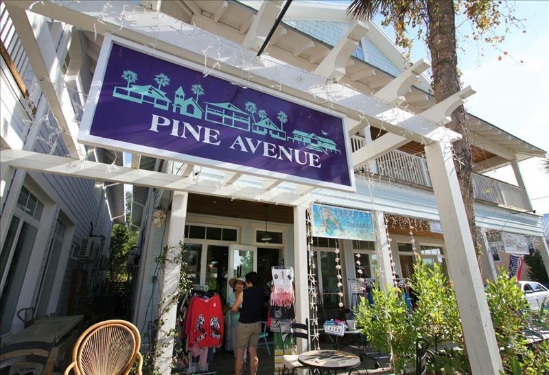 Pine Ave