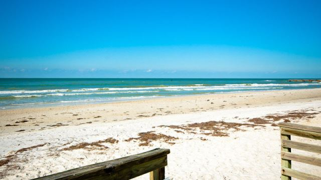 Beaches and sparkling waters of Bradenton Beach