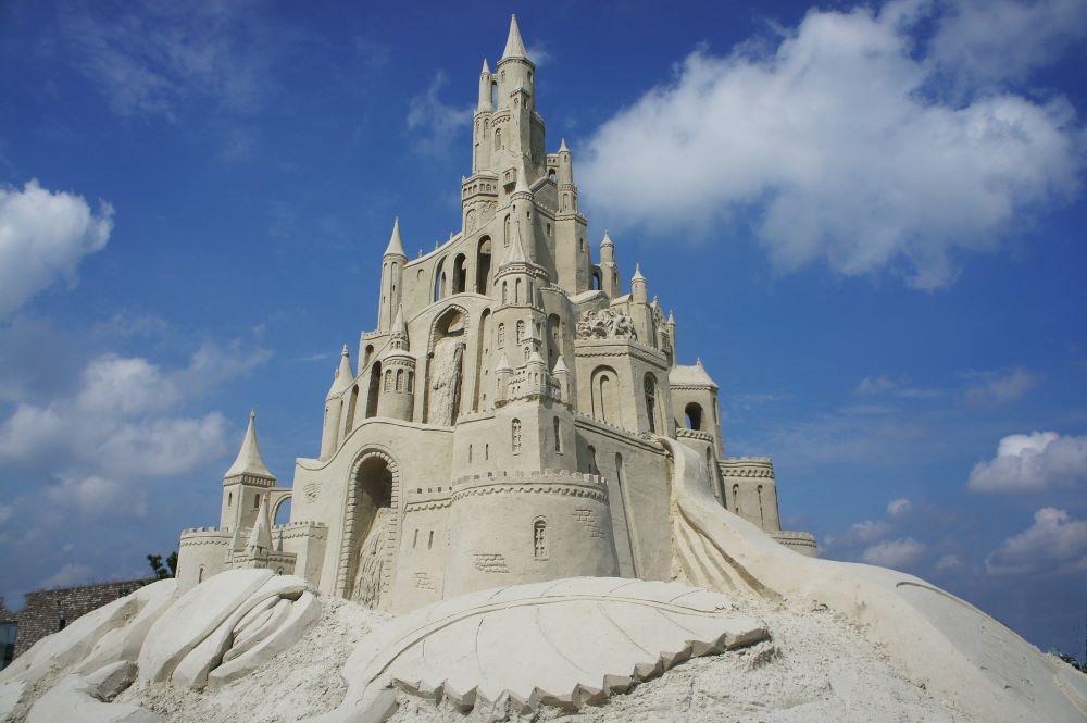 sand castle sculpture
