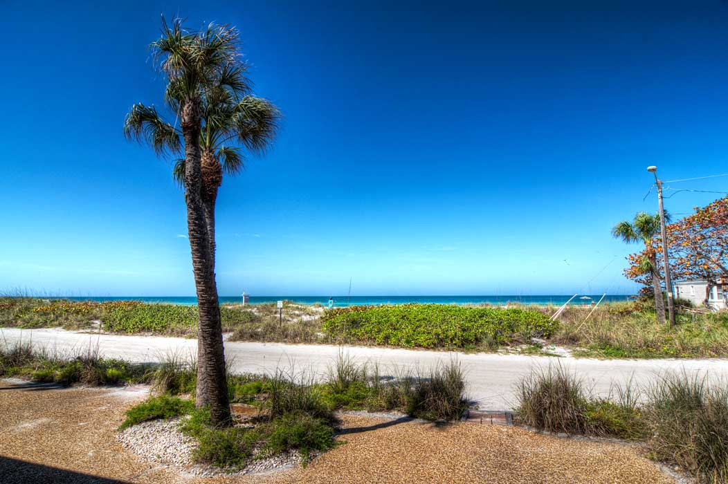 condo directly on the gulf in Anna Maria Island