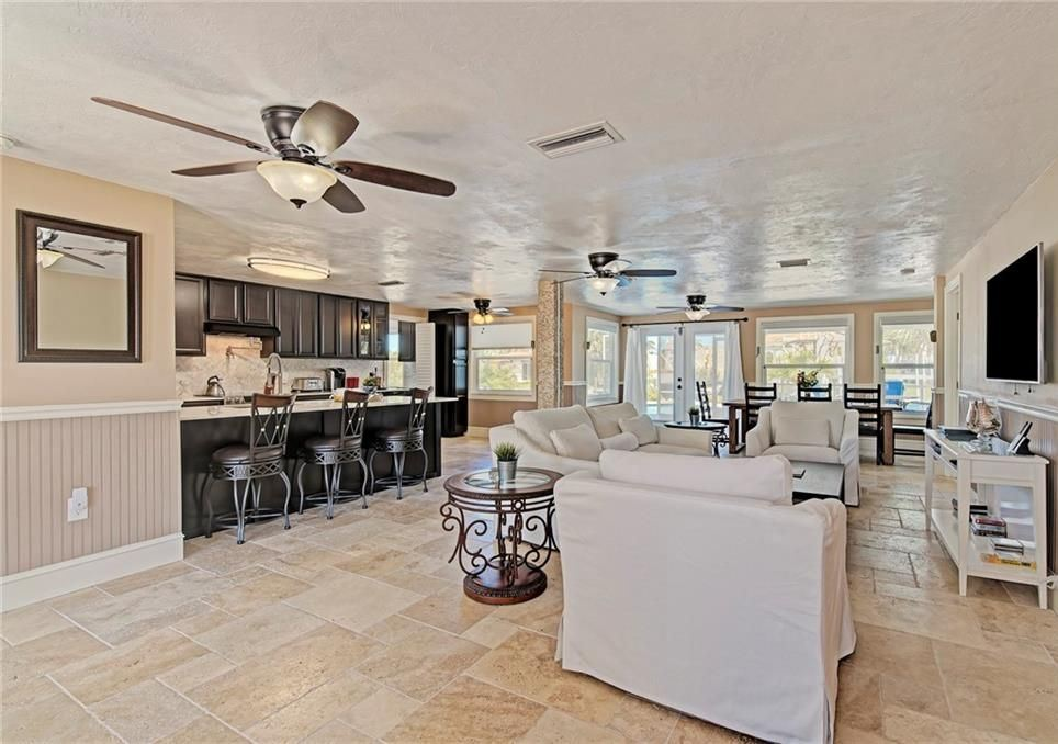 kitchen dining area of anna maria rental