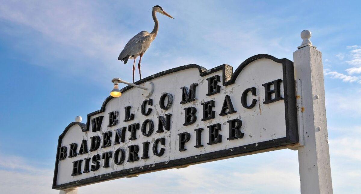 welcome Bradenton beach Historic Pier Sign